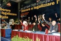 Secondo Congresso dei Radicali Italiani. Tavolo di presidenza durante le votazioni.