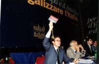 Votazioni al Secondo Congresso dei Radicali Italiani. Vista della presidenza, con Benedetto Della Vedova, Sergio Stanzani, Daniele Capezzone.