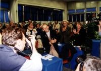 Emma Bonino applaudita al Secondo Congresso dei Radicali Italiani.