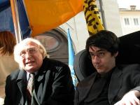 Marco Pannella e Luca Coscioni partecipano alla manifestazione davanti a Montecitorio in occasione della discussione della legge sulla fecondazione as