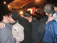 Bacio collettivo a piazza Farnese durante la festa del Kiss Day (a sostegno del riconoscimento giuridico delle coppie di fatto). Fra gli altri: Bruno