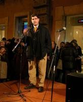 Daniele Capezzone partecipa alla manifestazione davanti a palazzo Chigi a sostegno dell'appello per un'amministrazione dell'ONU in Cecenia.
