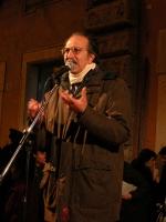 Giovanni Russo Spena, Rifondazione Comunista, partecipa alla manifestazione davanti a palazzo Chigi a sostegno dell'appello per un'amministrazione del