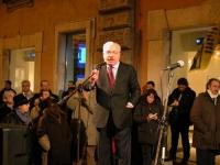 Teodoro Buontempo partecipa alla manifestazione davanti a palazzo Chigi, a sostegno dell'appello radicale per un'amministrazione dell'ONU in Cecenia.
