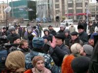 Nikolaj Khramov, fermato dalla polizia, durante la manifestazione a sostegno dell'appello radicale per un'amministrazione dell'ONU in Cecenia.