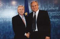 Umar Khanbiev incontra Pat Fox, presidente del Parlamento Europeo.