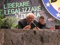 Marco Pannella e Michele De Lucia alla presidenza della Convenzione dei Radicali all'hotel Ergife.