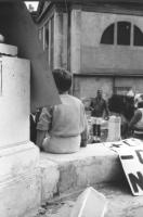 3a marcia antimilitarista Milano-Vicenza. Sullo sfondo, Marco Pannella in pantaloncini corti.