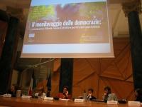 """Convegno su: """"Caso Italia e monitoraggio delle democrazie"""", organizzato dai radicali. Da sinistra: Robert Entman (Dipartimento di comunicazione, North"""