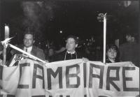 Busdachin e Taradash durante una fiaccolata antiproibizionista.  (BN)