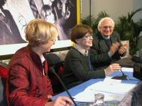 6° Congresso del PR. Emma Bonino, Franca Valeri e Marco Pannella nel corso del trentennale della celebrazione della vittoria del referendum sul divorz