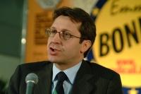 Benedetto Della Vedova al 6° Congresso  italiano del PR. Altre digitali.