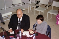 Umar Khanbiev (nel corso della registrazione di una trasmissione radiofonica).