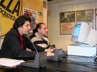 Marco Cappato, presso la sede di Torre Argentina, conduce un'azione di disobbedienza civile nei confronti del decreto Urbani contro la pirateria infor