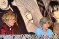 Emma Bonino e Adele Cambria partecipano alla celebrazione del trentennale della vittoria del referendum sul divorzio.
