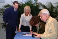 Aldo Aiello (primo a destra) partecipa alla celebrazione del trentennale della vittoria del referendum sul divorzio.