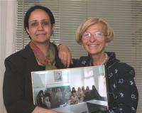 Amat Al-Aleem Ali Alsowa, prima donna a diventare ministro nello Yemen, ed Emma Bonino.