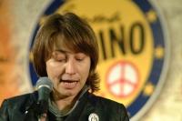 Elisabetta Zamparutti alla tribuna del 6° Congresso italiano del PR. Altre digitali.