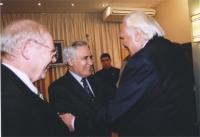 Marco Pannella incontra Moshe' Katsav (presidente dello Stato di Israele), nel corso di una missione di una delegazione del Parlamento Europeo in Isra