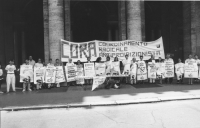 Largo Colonna, davanti a Palazo Chigi. Manifestazione del Cora per chiedere al ministro della sanità Garavaglia  un decreto che depenalizzi la sommini