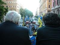 Corteo su camion da porta Pia a piazza Cavour, il giorno prima della consegna alla Cassazione delle firme ai quesiti sulla fecondazione assistita. Di