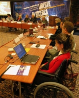 Sessione costitutiva del Congresso Mondiale per la libertà di ricerca scientifica, all'hotel Ergife. Tavolo di presidenza, in primo piano Sabrina  Di