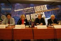 Sessione costitutiva del Congresso Mondiale per la libertà di ricerca scientifica, all'hotel Ergife. Al tavolo: Marco Cappato, Fru Britta Thomsen, Gil