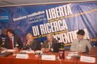 Sessione costitutiva del Congresso Mondiale per la libertà di ricerca scientifica, all'hotel Ergife. Tavolo di presidenza con: Marco Cappato, Emma Bon