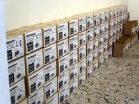 Vista degli scatoloni contenenti i moduli dei quesiti referendari, prima della consegna in Cassazione.