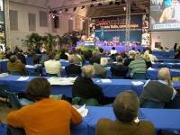 Terzo Congresso dei Radicali Italiani. Vista della platea e del banner di fondo. Altre digitali.