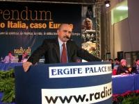 Lanfranco Turci (DS) alla tribuna del Terzo Congresso dei Radicali Italiani.
