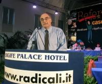 Valter Vecellio alla tribuna del Terzo Congresso dei Radicali Italiani.