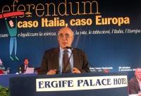 Lorenzo Strick Lievers alla tribuna del Terzo Congresso dei Radicali Italiani.