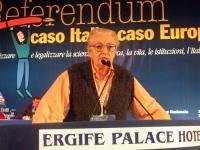 Laura Arconti alla tribuna del Terzo Congresso dei Radicali Italiani.
