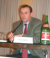 """Convegno: """"L'ammissibilità dei referendum sulla fecondazione assistita"""".  Nicola Zanon (Università di Milano)."""