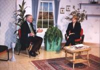 Rita Bernardini, in uno studio televisivo, intervistata da un giornalista.