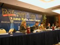 Comitato dei Radicali Italiani. Tavolo di presidenza. Da sinistra: Emma Bonino, Werther Casali, Daniele Capezzone, Marco Beltrandi, Maurizio Turco. Ba