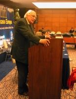 Marco Pannella alla tribuna di presidenza del Comitato dei Radicali Italiani.