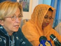 Emma Bonino alla conferenza stampa di presentazione  della Conferenza Sub-Regionale contro le Mutilazioni Genitali Femminili.