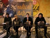 Conferenza stampa presso la sede di Torre Argentina. Al tavolo, da sinistra: Michele De Lucia, Rita Bernardini, Daniele Capezzone, Marco Cappato. Altr