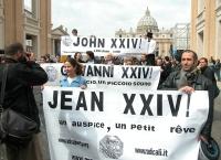 """Manifestazione radicale durante il Conclave. Striscioni in tre lingue a via della Conciliazione: """"Giovanni XXIV un auspicio, un piccolo sogno"""". In pri"""