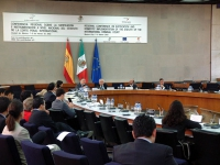 Conferenza nazionale per la ratifica dello statuto della corte penale internazionale. Vista del tavolo dei delegati, e di un settore del pubblico. (E'