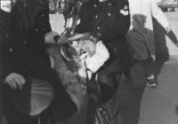 manifestazione radicale in occasione del vertice dei capi di Stato. Emma Bonino mentre viene portata via di peso dalla polizia. (BN)