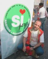 """Giobbe Covatta testimonial dei sì ai referendum in materia di fecondazione assistita (in occasione di una manifestazione promossa dal quotidiano """"Il R"""