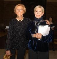 Emma Bonino e Anna Fendi, all'asta di beneficenza al museo Pigorini, promossa dalla Bonino e da  Anna Fendi, a sostegno della campagna contro le mutil