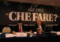 """Capezzone e Corbellini, seduti alla presidenza dell'assemblea postreferendaria: """"Che fare?""""."""