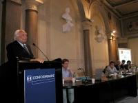 """Marco Pannella interviene al convegno: """"Petrolio & atomo"""". Al tavolo di presidenza, fra gli altri, Renato Brunetta."""