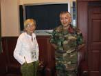 Emma Bonino  (alla guida di una commissione dell'Unione Europea per l'osservazione sulle elezioni in Afghanistan) con il Gen. Erdagi, Special Represen