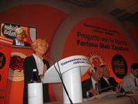 """Convenzione SDI-Radicali. Alla tribuna: Emma Bonino. Di lato, banner: """"Convenzione laica, socialista, radicale liberale - Progetto per le libertà Fort"""