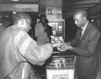 A destra: Basile Guissou  (ex ministro degli Esteri del Burkina Faso)  (BN)